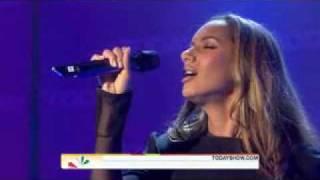 Leona Lewis - I See You  ( Live )