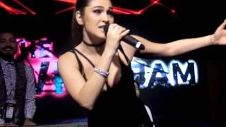 ESCKAZ in Kyiv: Timebelle (Switzerland) - Eurovision 2017 medley (at Euroclub)