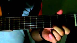 Rovani executando introdução da música Vento Negro