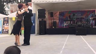 Tango Fumando Espero. Orquesta H. Varela