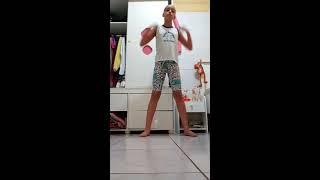 Dançando funk fuleragem