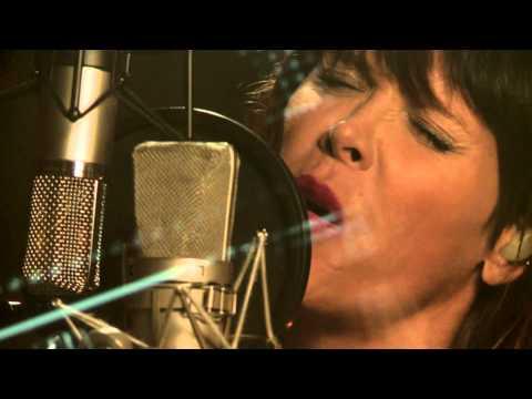 beth-hart-mechanical-heart-session-highlight-album-better-than-home-beth-hart