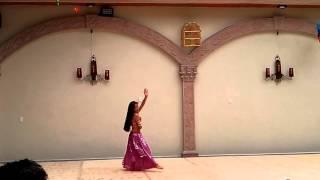 Hanna Santamaria bailando danza Árabe!!!💃💃