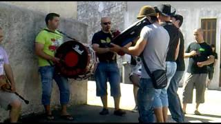Bujos - Maio de 2011 - Dia da Aldeia com o grupo de gaiteiros TOKANDAR dos Bujos (video 4)