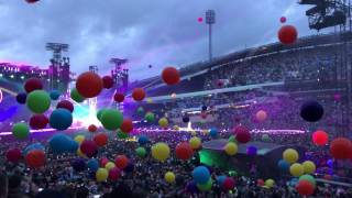 Coldplay live - Chris Martin forgets lyrics for Adventure Of A Lifetime