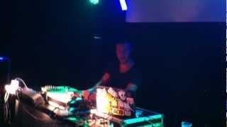 DJ TAYONE plays 2D NOIZE - Triplete @ Istanbul Cafè