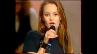 Vanessa Paradis  - La vague à lames (le monde est à vous) 1990