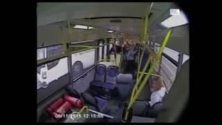 Buszbaleset - akik nem háttal ültek, mind repültek