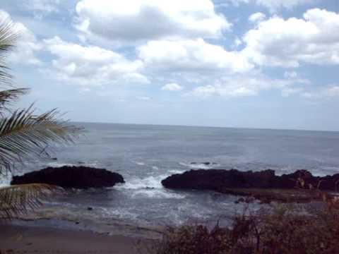 Olas, mar, rocas, naturaleza, Dios, todo en Nicaragua