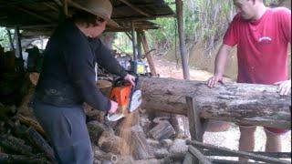 Cortando madeira com moto serra para queimar no fogão a lenha | Coração Campeiro