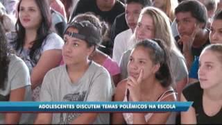 Itajaí: Projeto ajuda adolescentes a falarem sobre temas polêmicos na escola