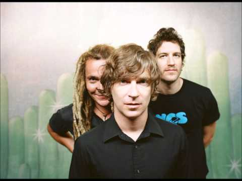 nada-surf-silent-fighting-beat-junky
