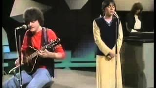 Enya &Clannad - An Tull (Live 1982)
