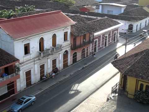 street scene in Granada, Nicaragua
