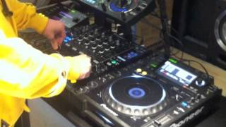 HOW TO MAKE A DUBSTEP WOBBLE BASS USING A CDJ AND MIXER
