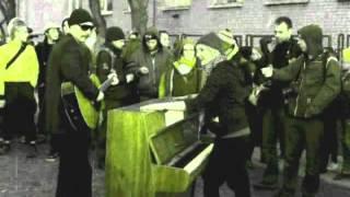 """""""Nie kasuję"""" - hymn ruchu bojkotu kasowników od projektu Swołoczeństwo, live in Warsaw 2012"""