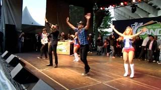Latino e Daddy Kall - Danza Kuduro (Clip Official)