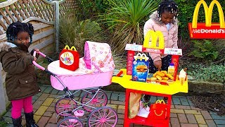 McDonalds 🍔 PRETEND PLAY DRIVE THRU WITH BABY DOLL