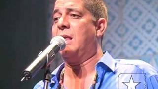 """Zeca Pagodinho canta """"Lua de Ogum"""" no Credicard Hall - Arquivo Radar Showlivre 2005 1/3"""