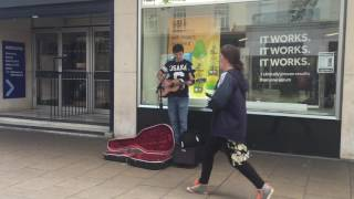 Pete Dymond - This Years Love (David Gray Cover) busking in Portsmouth
