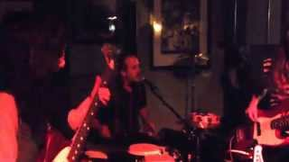 Tiburones - Ray - Live at Rontoms