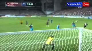 golaso de Ronaldinho  vs Arsenal 5-2 Copa Libertadores