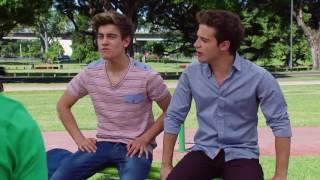 """Soy luna-Los chicos practican """" I'd Be Crazy"""" en el parque"""