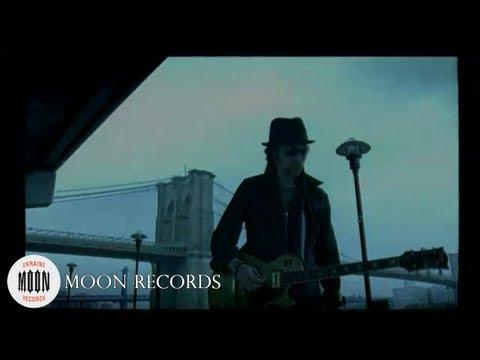 green-grey-hd-moon-records
