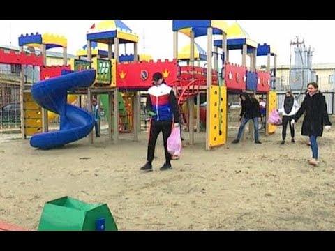 Молодежь Губкинского привела в порядок детские площадки