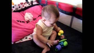 Bebê de 4 meses e meio sentadinha!