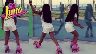 Niña Baila con los patines de Soy Luna