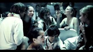 WET FINGERS feat. Anna Montgomery - TURN ME ON - SALA SAMOBOJCOW - OST - official video
