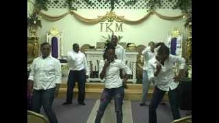 NuVision dancing to Tired by Kelly Price.AVI