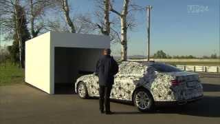 Neuer 7er BMW fahrerlos in Parklücken und Garagen | AutoMotoTV Deutsch