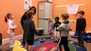 Language Stars Hokey Pokey in Spanish