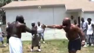 Briga feia entre gigantes