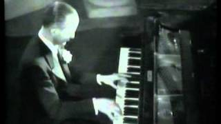 Charlie Kunz, piano, Medley, 1934 footage.