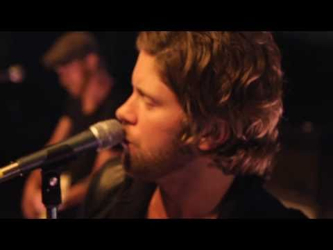 matthew-mayfield-missed-me-official-video-matthew-mayfield