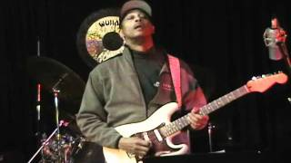 Eric Blackmon Electric Guitar Solo Using Minor Pentatonic & Major Scales EEMusicLIVE
