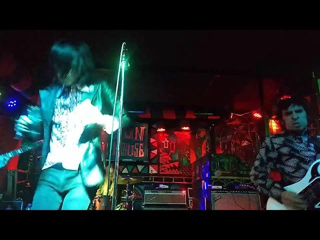 Video oficial de Dirty Red de The Braiundrops