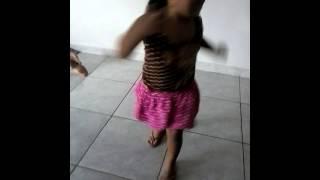 geovanna dançando Sina ao som do revelação
