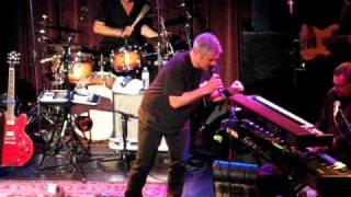 Taylor Hicks singing Ain't Gonna Hurt Nobody at Workplay 2010