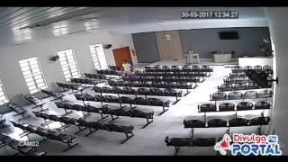 Ladrão invade Salão do Reino das Testemunhas de Jeová em Carpina, PE
