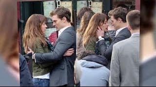 Dakota Johnson et Jamie Dornan embrassent leurs personnages dans 50 Nuances de Grey