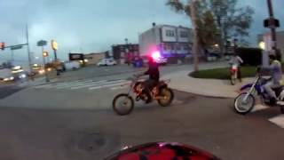 PHILADELPHIA POLICE CHASING DIRT BIKERS IN TRAFFIC