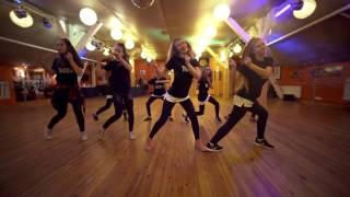 Dzelmes Deju Studija dancing to Sean Paul - Crick Neck