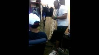 grabando el nuevo tema en el studio mayimbe swagger