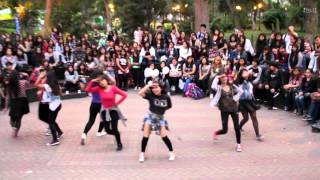 "Parque castilla Diciembre 2015 TWICE (트와이스) ""OOH-AHH하게 (Like OOH-AHH)"" by Flower Bud Perú"