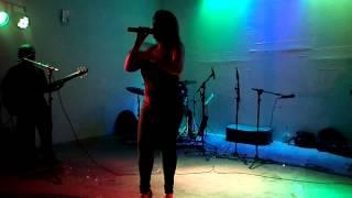 Kelly Silva cantando no Akrópolis!!!
