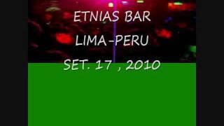 LOS CHUTOS-------ETNIAS BAR LIMA PERU EN VIVO